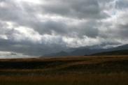 Lichtdurchflutete Wolken über dem Solheimasandur