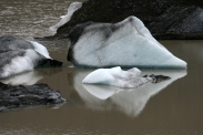 Eisberge m Gletschersee des Svinafjellsjökull