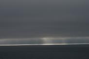 Am Hrutafjördur: Licht am Ende des Nebels